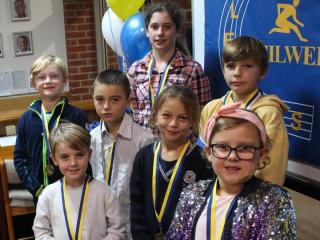 Proud little aths winners of participation medals Adele, Ines, Samuel, Casper, Olivia, Manolo, Max and Amelia.